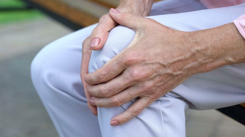 9 alimenti da evitare in caso di dolore alle articolazioni