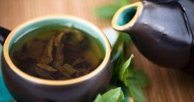 Studio: questo tè naturale rimuove la placca meglio del collutorio commerciale!