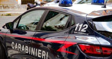 Livorno, l'orrore dell'immigrato africano: uccide un gatto e lo cucina in strada, video impressionante